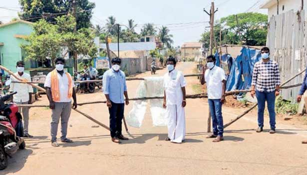 202004020918465729 Tamil News 25 villagers have isolated themselves SECVPF